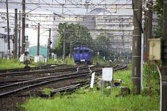 19 08 2015 Ναγκασάκι Ιαπωνία Τραίνο από το Ναγκασάκι Τραίνο του Ναγκασάκι Στοκ φωτογραφία με δικαίωμα ελεύθερης χρήσης