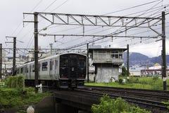 19 08 2015 Ναγκασάκι Ιαπωνία Τραίνο από το Ναγκασάκι Τραίνο του Ναγκασάκι Στοκ Εικόνες