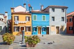Ναυπηγείο δικαστηρίου του πολύχρωμου νησιού Burano στην ηλιόλουστη ημέρα Ιταλία Βενετία Στοκ εικόνες με δικαίωμα ελεύθερης χρήσης