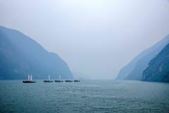 Ναυσιπλοΐα Zixi στοματικών αλυσίδων φαραγγιών Wu ποταμών Badong Yangtze Hubei Στοκ φωτογραφία με δικαίωμα ελεύθερης χρήσης