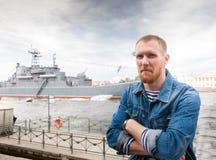 Ναυτικός ατόμων στην προκυμαία στοκ εικόνες με δικαίωμα ελεύθερης χρήσης