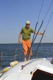 Ναυτικός σε ένα γιοτ Στοκ Εικόνα