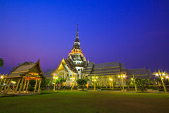 Ναός έτσι-αγκαθιών Wat στο ηλιοβασίλεμα Στοκ Εικόνες