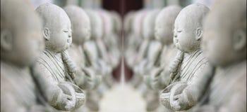 ναός αγαλμάτων μοναχών κουκλών παιδιών τέχνης Στοκ Φωτογραφία