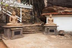 Ναός βράχου Aluvihara, Matale στοκ εικόνες