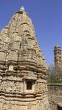 Ναός και πύργος Vcctory Πέτρινη διακόσμηση γλυπτικών θεών στον ινδό ναό Στοκ Φωτογραφίες