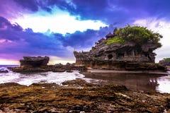 Ναός νερού μερών Tanah στο Μπαλί Τοπίο φύσης της Ινδονησίας διάσημο ορόσημο του Μπαλί στοκ φωτογραφία με δικαίωμα ελεύθερης χρήσης
