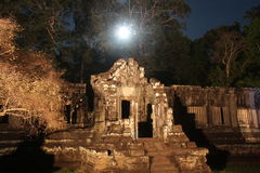 Ναός νότιου Kleang Καμπότζη η banteay λίμνη της Καμπότζης angkor lotuses συγκεντρώνει siem το ναό srey Στοκ Φωτογραφίες