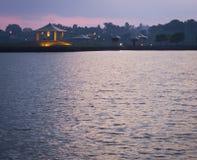 Ναός πέρα από το νερό Στοκ εικόνα με δικαίωμα ελεύθερης χρήσης