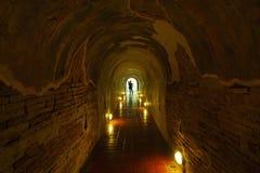 Ναός, σήραγγα, Wat u-Mong μια σήραγγα κάτω από την παγόδα 700 έτη, ναός Ταϊλάνδη Στοκ Εικόνα