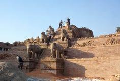Ναός στην πλατεία Durbar μετά από το σεισμό στο Νεπάλ Στοκ Φωτογραφίες
