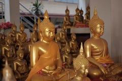 ναός Ταϊλανδός αγαλμάτων τ&omi Στοκ φωτογραφία με δικαίωμα ελεύθερης χρήσης