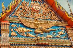 ναός Ταϊλανδός Ναός Phuket, Ταϊλάνδη Mongkol Nimit Wat Χρυσή πρόσοψη αρχιτεκτονικής Στοκ Φωτογραφία