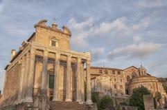Ναός της Ρώμης Antoninus και Faustina 04 Στοκ Εικόνες