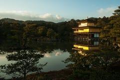 ναός του Κιότο kinkakuji της Ιαπω&nu Στοκ φωτογραφίες με δικαίωμα ελεύθερης χρήσης