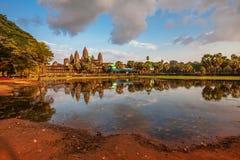 Ναός Angkor wat στο φως ηλιοβασιλέματος Στοκ φωτογραφίες με δικαίωμα ελεύθερης χρήσης