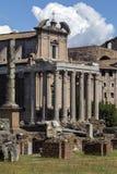 Ναός Antoninus και Faustina - ρωμαϊκό φόρουμ - Ρώμη - Ιταλία Στοκ εικόνα με δικαίωμα ελεύθερης χρήσης