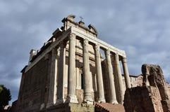 Ναός Antoninus και Faustina Στοκ Φωτογραφία