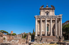 Ναός Antoninus και Faustina Στοκ Φωτογραφίες