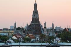 Ναός Arun ή ναός της αυγής, ο διασημότερος τόπος προορισμού τουριστών της Ταϊλάνδης Στοκ φωτογραφία με δικαίωμα ελεύθερης χρήσης