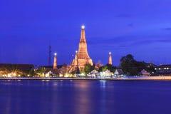 Ναός Arun Μπανγκόκ Wat στο χρόνο λυκόφατος, Ταϊλάνδη Στοκ φωτογραφία με δικαίωμα ελεύθερης χρήσης