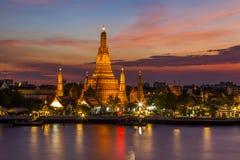 Ναός Arun Wat στο ηλιοβασίλεμα Μπανγκόκ Στοκ εικόνα με δικαίωμα ελεύθερης χρήσης
