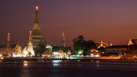 Ναός Arun Wat στο σούρουπο, Μπανγκόκ Στοκ Εικόνες