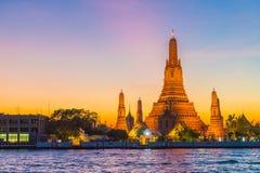 Ναός Arun Wat στο λυκόφως στη Μπανγκόκ, Ταϊλάνδη Στοκ φωτογραφίες με δικαίωμα ελεύθερης χρήσης