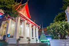 Ναός Arun Wat τη νύχτα στη Μπανγκόκ, Ταϊλάνδη στοκ εικόνα με δικαίωμα ελεύθερης χρήσης