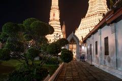 Ναός Arun Wat τη νύχτα στη Μπανγκόκ, Ταϊλάνδη στοκ εικόνες με δικαίωμα ελεύθερης χρήσης