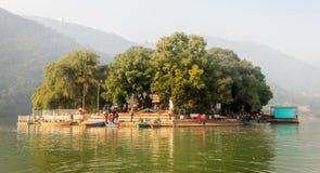 Ναός Barahi Tal της λίμνης Pokhara, Νεπάλ Phewa Στοκ εικόνες με δικαίωμα ελεύθερης χρήσης
