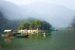 Ναός Barahi Tal της λίμνης Pokhara, Νεπάλ Phewa Στοκ φωτογραφία με δικαίωμα ελεύθερης χρήσης