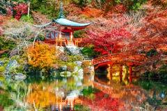 Ναός Daigoji το φθινόπωρο, Κιότο Εποχές φθινοπώρου της Ιαπωνίας στοκ φωτογραφίες