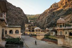 Ναός Galtaji πιθήκων, στο τέλος της ημέρας, Jaipur, Rajasthan, Ινδία Στοκ φωτογραφία με δικαίωμα ελεύθερης χρήσης