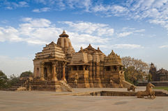 Ναός Jagdambi Devi, Khajuraho, Ινδία - περιοχή κληρονομιάς της ΟΥΝΕΣΚΟ. Στοκ εικόνες με δικαίωμα ελεύθερης χρήσης