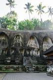Ναός Kawi Gunung σύνθετος που χαράζει στους απότομους βράχους πετρών στο Μπαλί, Ινδονησία στοκ φωτογραφίες