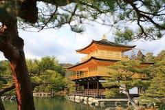 Ναός Kinkakuji (το χρυσό περίπτερο) στοκ εικόνες