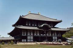 Ναός Todaiji μια θερμή ημέρα ανοίξεων στοκ εικόνες