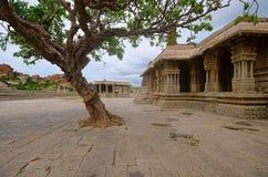 Ναός Vittala σύνθετος, χτισμένος στο 15ο αιώνα, Hampi, Karnataka, Ινδία Στοκ φωτογραφία με δικαίωμα ελεύθερης χρήσης