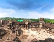 Ναός Wat Angkor Άποψη από μέσα από το ναό Στοκ Εικόνες
