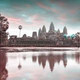 Ναός Wat Angkor με την απεικόνιση στο νερό Στοκ φωτογραφία με δικαίωμα ελεύθερης χρήσης