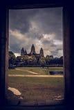 Ναός Wat Angkor με το δραματικό ουρανό στο χρόνο ηλιοβασιλέματος η Καμπότζη συγκεντρώνει siem Στοκ φωτογραφίες με δικαίωμα ελεύθερης χρήσης