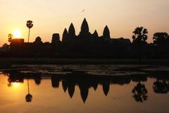 Ναός Wat Angkor στην ανατολή Στοκ Φωτογραφίες