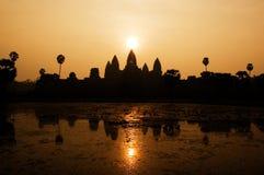 Ναός Wat Angkor στην ανατολή Στοκ Φωτογραφία