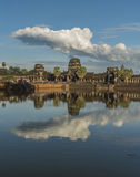 Ναός Wat Angkor το καυτό ηλιόλουστο βράδυ Στοκ Εικόνα