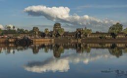 Ναός Wat Angkor το καυτό ηλιόλουστο βράδυ Στοκ εικόνα με δικαίωμα ελεύθερης χρήσης