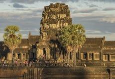 Ναός Wat Angkor το καυτό ηλιόλουστο βράδυ Στοκ Εικόνες