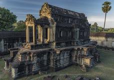 Ναός Wat Angkor το καυτό ηλιόλουστο πρωί Στοκ εικόνα με δικαίωμα ελεύθερης χρήσης