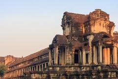 Ναός Wat Angkor το πρωί Το παγκόσμιο μεγαλύτερο θρησκευτικό μνημείο, ναός Prasat Angkor Nokor Wat σύνθετος, Siem συγκεντρώνει Στοκ Φωτογραφία