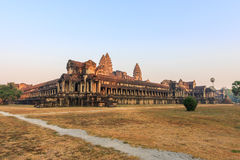 Ναός Wat Angkor το πρωί Το παγκόσμιο μεγαλύτερο θρησκευτικό μνημείο, ναός Prasat Angkor Nokor Wat σύνθετος, Siem συγκεντρώνει Στοκ Εικόνα